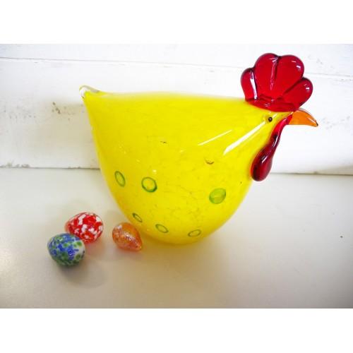 Grosse poule jaune